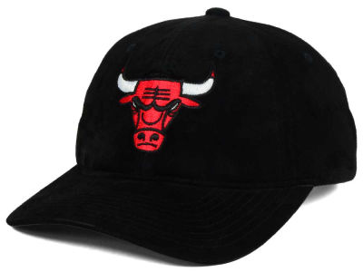 Chicago Bulls Mitchell & Ness NBA Pig Suede Dad Strapback Hat
