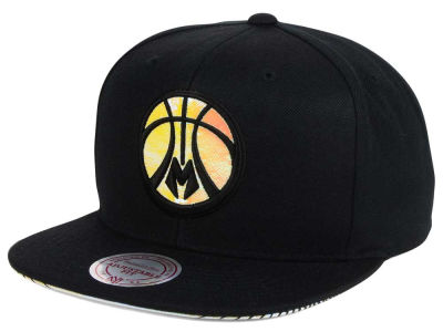 Milwaukee Bucks Mitchell & Ness NBA Orange Gaze Snapback Cap