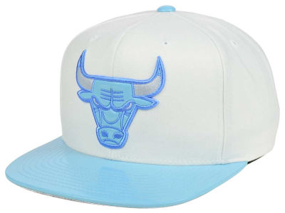 a8ecc208599 ... closeout chicago bulls mitchell ness nba powder blue 2t snapback cap  b5832 19ec7