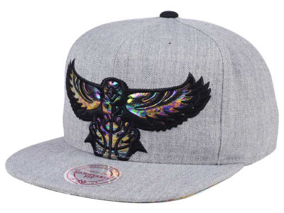 Atlanta Hawks Mitchell & Ness Oil Cropped Snapback Cap