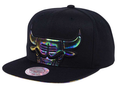 Chicago Bulls Mitchell & Ness Oil Cropped Snapback Cap