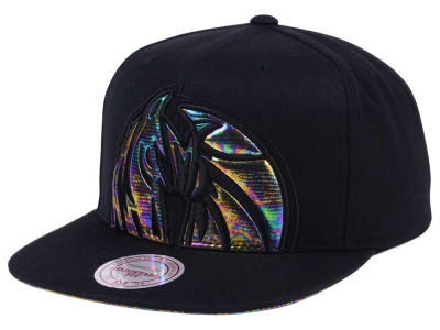 Dallas Mavericks Mitchell & Ness Oil Cropped Snapback Cap
