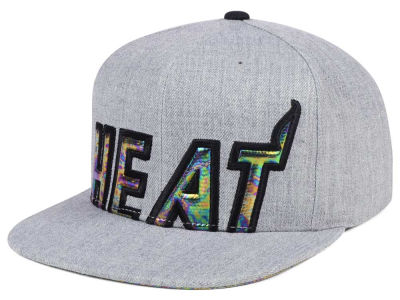 Miami Heat Mitchell & Ness Oil Cropped Snapback Cap