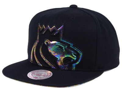 Sacramento Kings Mitchell & Ness Oil Cropped Snapback Cap