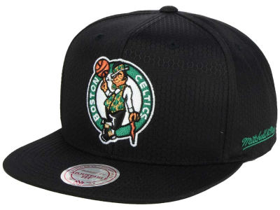 Boston Celtics Mitchell & Ness NBA Black Ripstop Honeycomb Snapback Cap