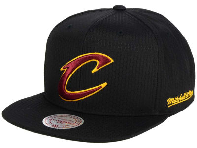 Cleveland Cavaliers Mitchell & Ness NBA Black Ripstop Honeycomb Snapback Cap