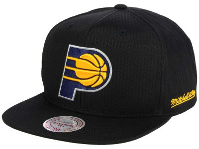 Indiana Pacers Mitchell & Ness NBA Black Ripstop Honeycomb Snapback Cap