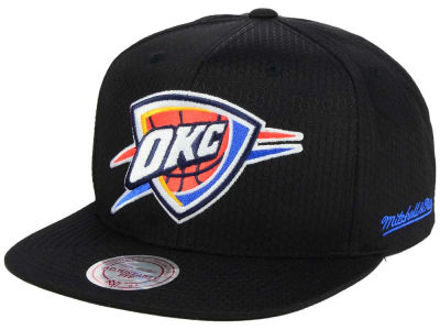 Oklahoma City Thunder Mitchell & Ness NBA Black Ripstop Honeycomb Snapback Cap
