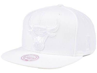 Chicago Bulls Mitchell & Ness NBA Wow Snapback Cap