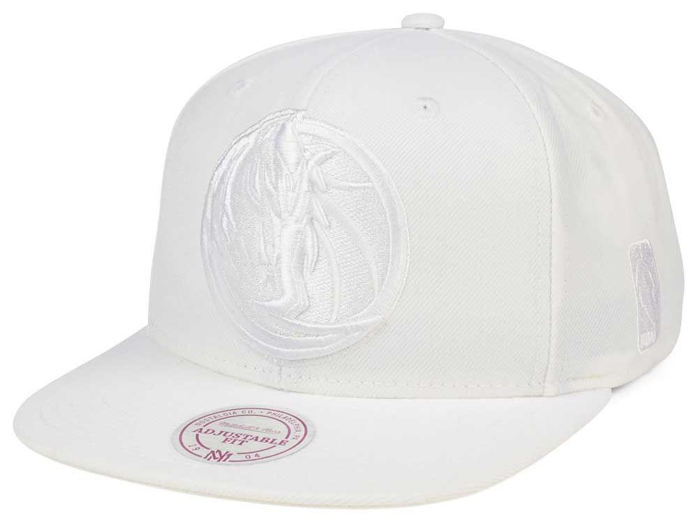 Dallas Mavericks Mitchell   Ness NBA Wow Snapback Cap  b095fe3b9e7