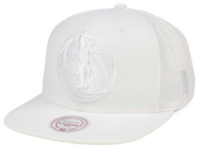 Dallas Mavericks Mitchell & Ness NBA Wow Snapback Cap
