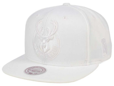 Milwaukee Bucks Mitchell & Ness NBA Wow Snapback Cap