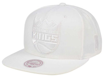 Sacramento Kings Mitchell & Ness NBA Wow Snapback Cap