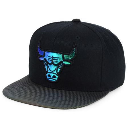 Chicago Bulls Mitchell & Ness NBA Black Logo Gaze Snapback Cap