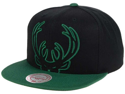 Milwaukee Bucks Mitchell & Ness NBA Custom XL Cropped Snapback Cap