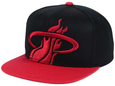 Miami Heat Mitchell and Ness NBA Custom XL Cropped Snapback Cap