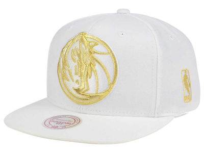 Dallas Mavericks Mitchell & Ness NBA White Goldie XL Snapback Cap