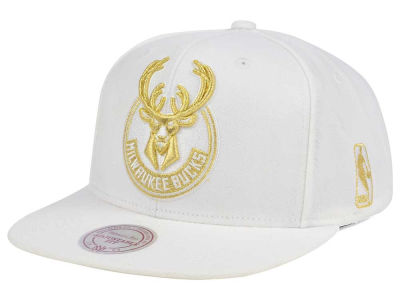 Milwaukee Bucks Mitchell & Ness NBA White Goldie XL Snapback Cap