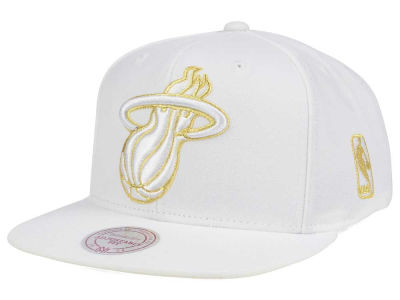 Miami Heat Mitchell & Ness NBA White Goldie XL Snapback Cap