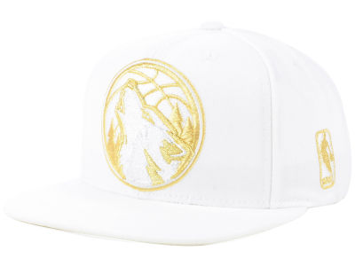 Minnesota Timberwolves Mitchell and Ness NBA White Goldie XL Snapback Cap