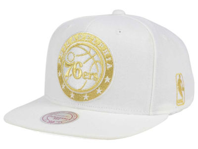 Philadelphia 76ers Mitchell & Ness NBA White Goldie XL Snapback Cap