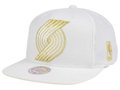 Portland Trail Blazers Mitchell & Ness NBA White Goldie XL Snapback Cap