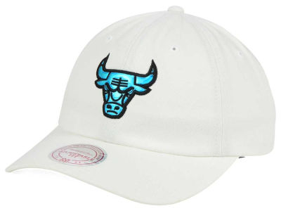 Chicago Bulls Mitchell and Ness NBA Gaze Dad Hat