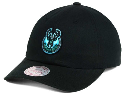 Milwaukee Bucks Mitchell & Ness NBA Gaze Dad Hat