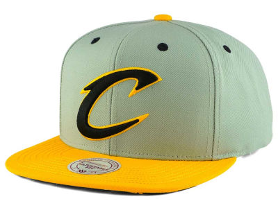 Cleveland Cavaliers Mitchell and Ness NBA 2-Tone Velcro Strap Cap