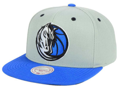 Dallas Mavericks Mitchell & Ness NBA 2-Tone Velcro Strap Cap