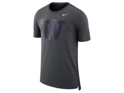 Washington Huskies Nike NCAA Men's Meshback Travel T-Shirt