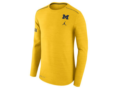 Michigan Wolverines Jordan NCAA Men's Dri-Fit Breathe Long Sleeve T-Shirt
