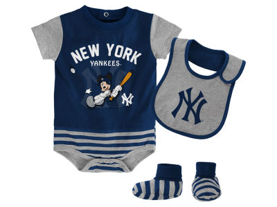 New York Yankees Majestic MLB Newborn Disney Baseball Property Baseball Set