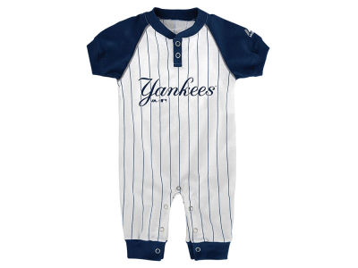 New York Yankees Outerstuff MLB Newborn Game Time Coverall