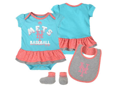 New York Mets Outerstuff MLB Newborn Girls Bib & Booty Set