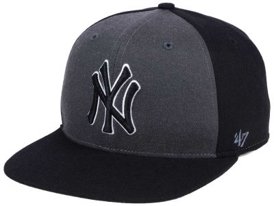 New York Yankees '47 MLB Black Sure Shot Accent Snapback Cap