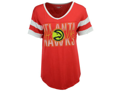Atlanta Hawks 5th & Ocean NBA Women's Hang Time Glitter T-Shirt