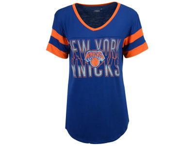 New York Knicks 5th & Ocean NBA Women's Hang Time Glitter T-Shirt