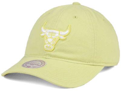 best service 1f271 56ee2 ... new arrivals chicago bulls mitchell ness nba khaki pastel dad hat a7517  f4a06