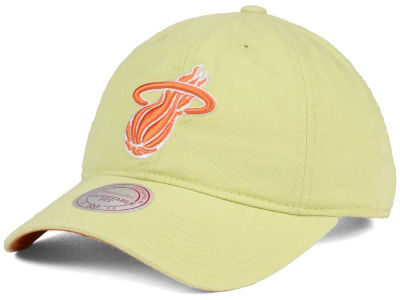 Miami Heat Mitchell & Ness NBA Khaki Pastel Dad Hat