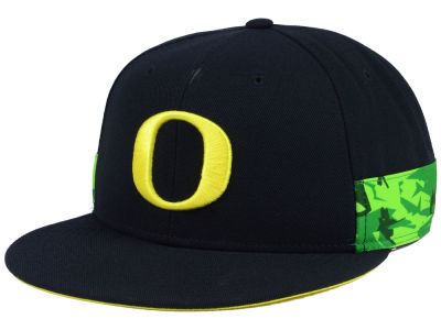 Oregon Ducks Nike NCAA True Woven Stripe Snapback Cap