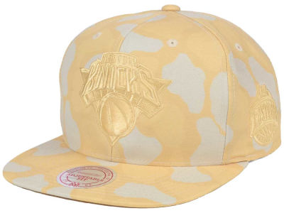New York Knicks Mitchell & Ness NBA Pastel Camo Snapback Cap
