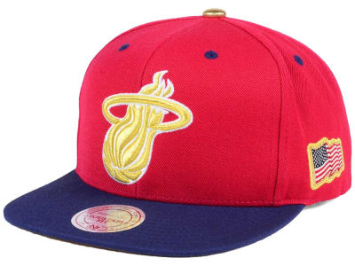 Miami Heat Mitchell & Ness NBA USA 2Tone 2.0 Snapback Cap