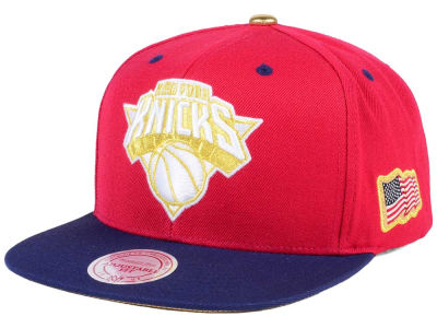 New York Knicks Mitchell & Ness NBA USA 2Tone 2.0 Snapback Cap