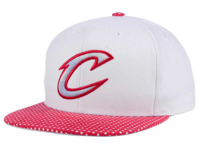 Cleveland Cavaliers Mitchell & Ness NBA Stars and Wash Snapback Cap