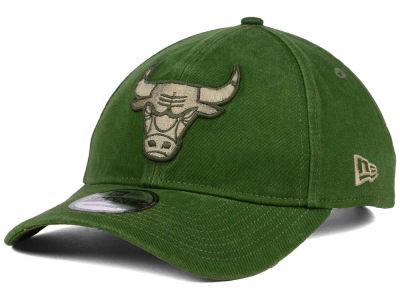 34619d6f98a New Era Chicago Bulls NBA Dad Hats   Strapback Dad Hats for Sale ...