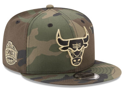 Chicago Bulls New Era NBA Metallic Woodland 9FIFTY Snapback Cap