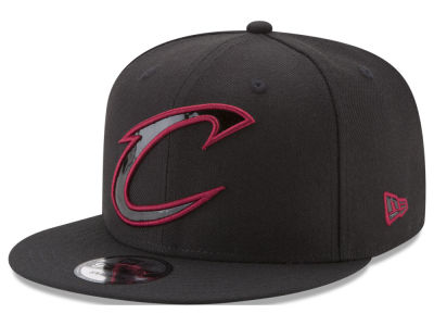 Cleveland Cavaliers New Era NBA Patent Blackout 9FIFTY Snapback Cap