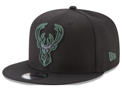 Milwaukee Bucks New Era NBA Patent Blackout 9FIFTY Snapback Cap