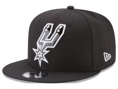 San Antonio Spurs New Era NBA Patent Blackout 9FIFTY Snapback Cap